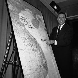 US-Verteidungsminister Robert McNamara erklärt den Tonkin-Zwischenfall.