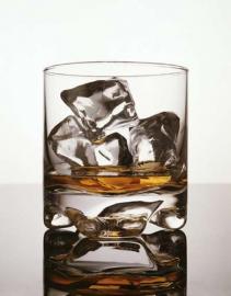 Whisky, Glas mit Eis, Alkohol