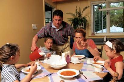 essen und trinken, mittagessen, Tomatensuppe
