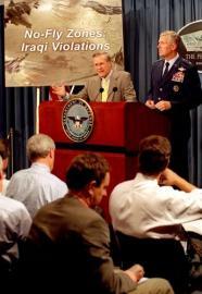 Verteidigungsminister Donald H. Rumsfeld  mit Gerneral Richard B. Meyers