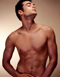 männlicher Akt, nackt, Brust, Oberkörper