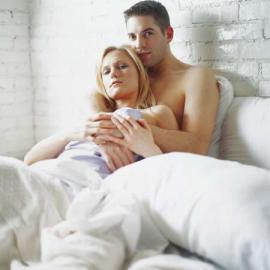 Paar, Mann und Frau im Bett, Partnerschaft, Sex