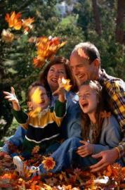 familie im Wald, Herbst, Laubwald, Herbstlaub