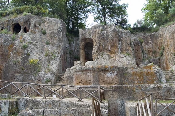 Etruskische Gräber bei Sovana