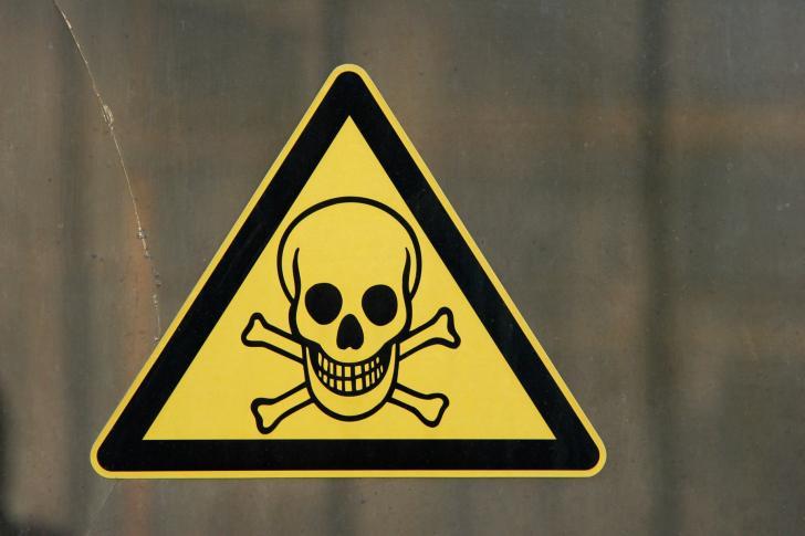 Totenkopf-Warnzeichen