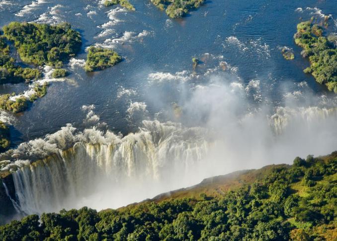 Luftaufnahme der Viktoriafälle in Sambia