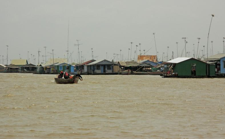 Schwimmende Dörfer am Tonle Sab
