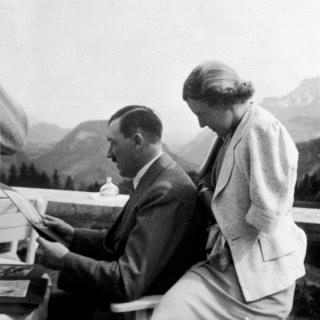 Eva Braun, Adolf Hitler