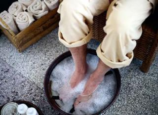 Kosmetische Behandlung, Fußpflege, Badewanne, Gesundheitswesen und Medizin, Ents