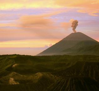 Eruption des Vulkans Mt. Semeru