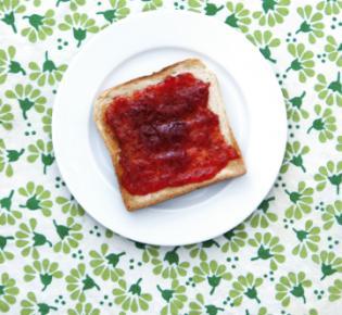 Scheibe Toast mit Marmelade